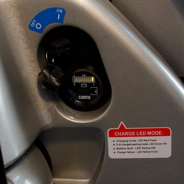 Motorlyftvagn   Fullelektrisk Motorlyftvagn, 1800 kg